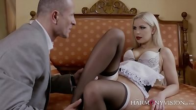 luxurious blonde creampied