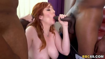 huge-chested Mom-I-would-Like-to-Fuck Lauren Phillips Is hungry For buttfuck hookup With big black cock